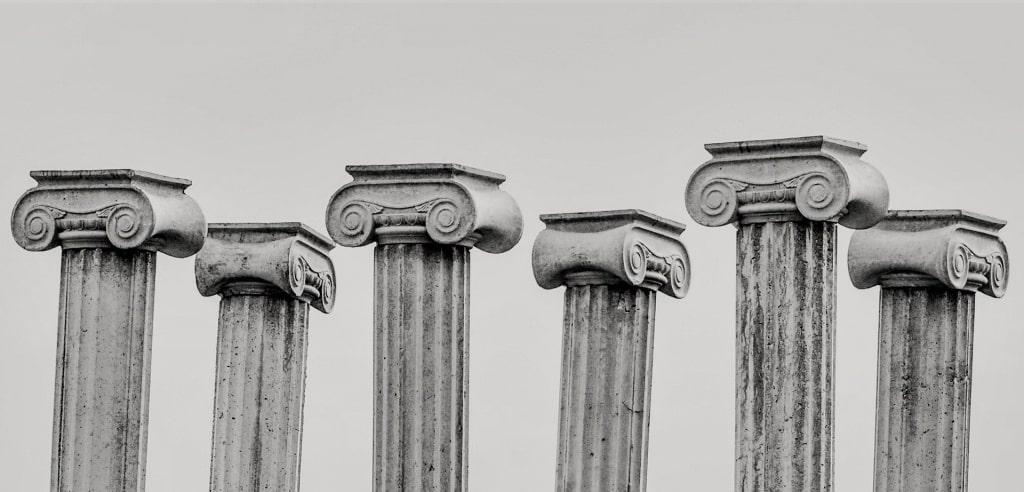 pillar-capitals-2135682_1920 (1)